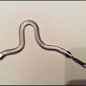 Napier slinky snake chain bracelet